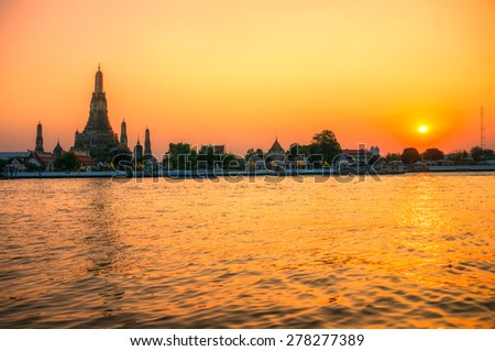 Wat Arun, The Temple of Dawn,  Bangkok, Thailandia. - stock photo