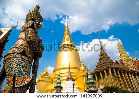 Wat pra kaew Grand palace bangkok - stock photo