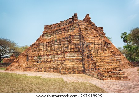 Wat Wora Pho.Ayutthaya historical park.   - stock photo