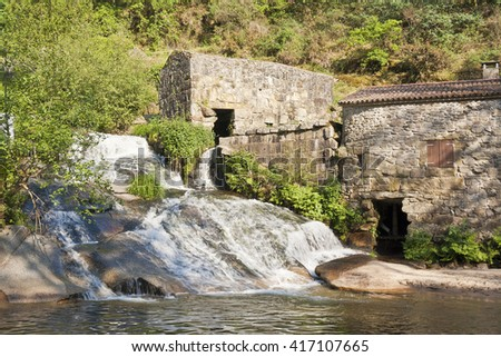 water mills and waterfall at Barosa River on Barro town