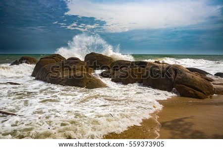 Waves on the tropical island Samui