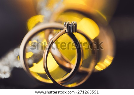 Wedding gold rings with diamonds