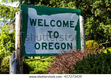 Welcome to Oregon state sign on highway upon entering state border of Oregon - stock photo