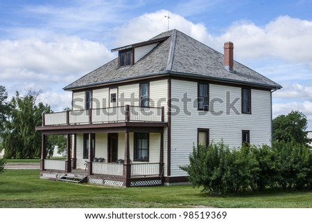 Well kept old farm house on the prairies