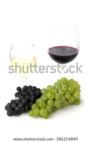 white and red wine and grapes