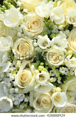 White floral arrangement, wedding centerpiece