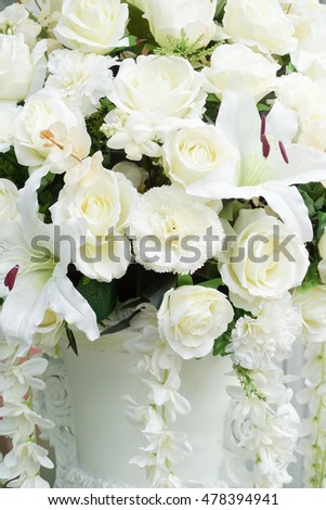 White flowers bouquet in wedding ceremony