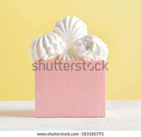 White marshmallow dessert in pink box. - stock photo