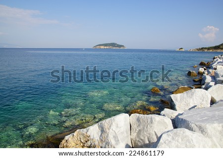 Shiny White Rock White Shiny Rocks Near The