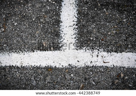 White stripe on road