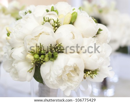 White wedding bouquet in vase