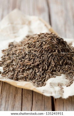 Whole dried caraway seeds