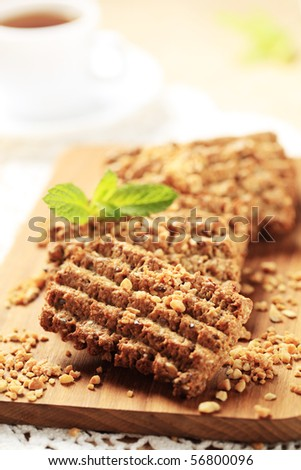 Wholegrain nutty cookies