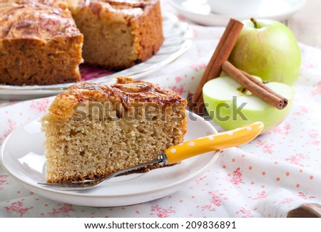 Wholemeal apple cinnamon tea cake - stock photo