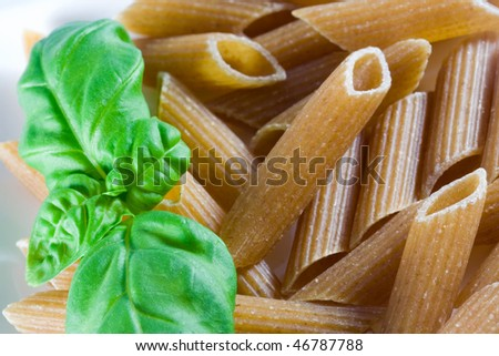 wholemeal pasta with fresh basil