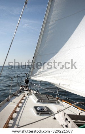 Wind and sun on a sailboat
