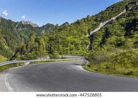 Winding road with views of the mountains