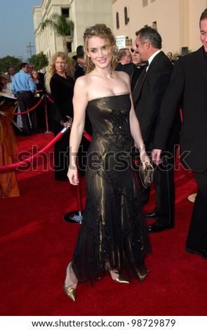 WINONA RYDER at the 73rd Annual Academy Awards in Los Angeles. 25MAR2001.   Paul Smith/Featureflash