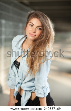 Woman posing for camera - Glamour Portrait