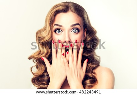 [fb] les angélus // jola&monsiame Stock-photo-woman-surprise-showing-product-beautiful-girl-with-curly-hair-pointing-to-the-side-presenting-482243491