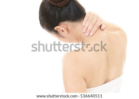Woman who has a shoulder pain