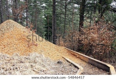 wood chips as ecological materials for paving countryside paths