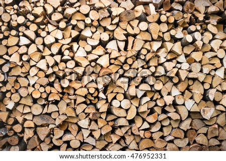 wood pile with small pieces