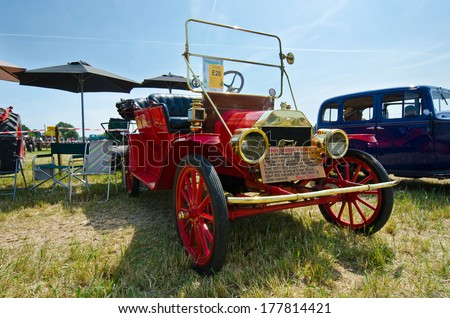 WOODCOTE,OXFORDSHIR E, ENGLAND-JULY 13th- a gathered amount of veteran and vintage vehicles show which had it's 50th anniversary at Woodcote Rally Fair on July 13, 2013 in Woodcote England. - stock photo