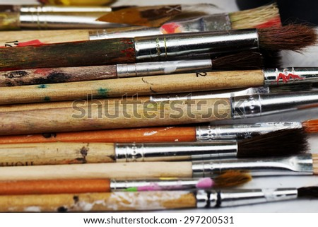 wooden brushes for painting close-up