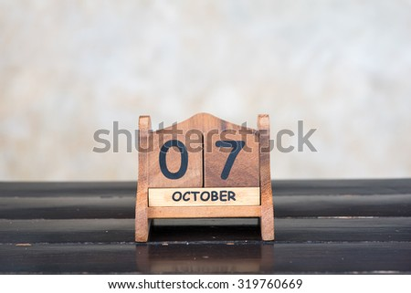 Wooden cube calendar for 7th October
