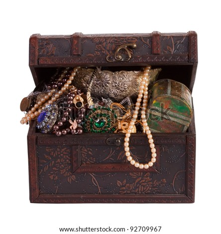 Wooden treasure trunk with jewellery, isolated with  clipping path