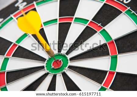 Yellow dart on target put on left frame