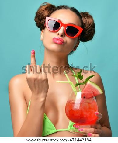 bikini-cocktail-girls-share-upload-pussy-licking-videos