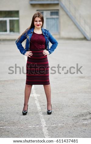 posing girl Chubby teen