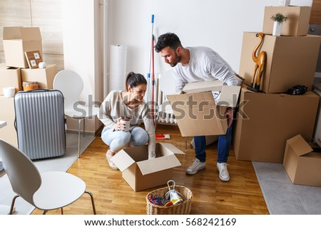 Packing boxes stock images royalty free images vectors shutterstock - Young couple modern homes ...