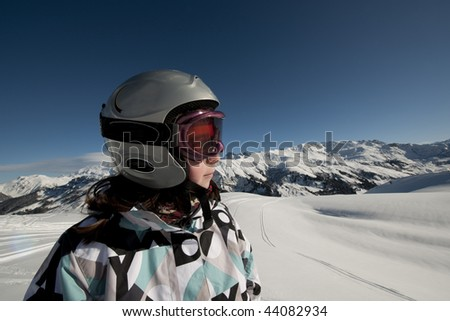 Young girl skiing in mountain, France, Apls, Areches