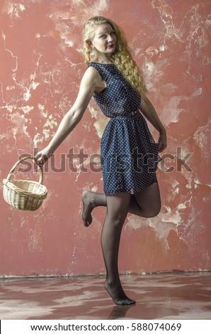 Блондинка в чулках фото с россии фото 339-216