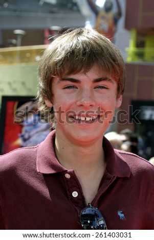 """Zac Efron at the """"Thunderbirds"""" Premiere held at the Universal Studios Cinemas in Universal City, California United States on July 24, 2004. - stock photo"""