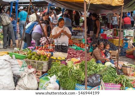 Ecuador people stock images royalty free images vectors for Patakha bano food mat