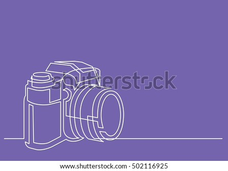 continuous line drawing of professional photo camera