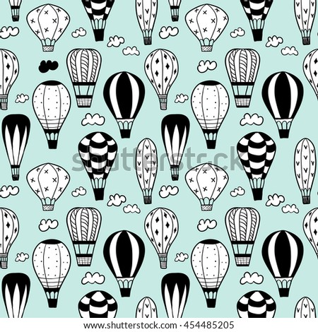 Doodle balloons. Seamless pattern.