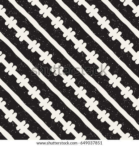 Hand drawn style ethnic seamless pattern. Abstract geometric tiling background in black and white. Vector vintage freehand doodle texture.