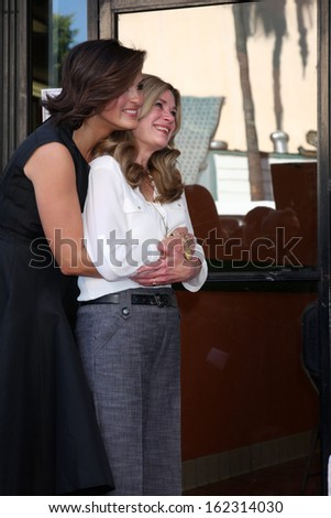 LOS ANGELES - NOV 8:  Mariska Hargitay, Jayne Marie Mansfield at the Mariska Hargitay Hollywood Walk of Fame Star Ceremony at Hollywood Blvd on November 8, 2013 in Los Angeles, CA	0