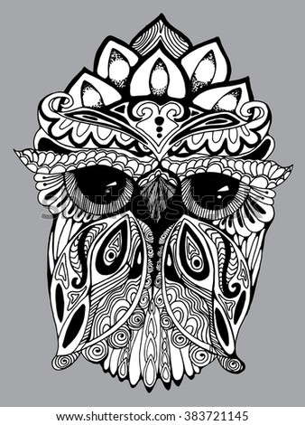 Portrait of an owl. Owls Head. Abstract bird. Print. Profile. Zentangl. Decorative. Stylized. Line art. Drawing by hand. Black and white. Isolated. Tattoo. Linear. Dudling. Graphic arts.